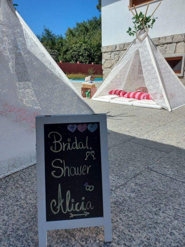 Bridal Party de Alicia con Tipis de Encaje.