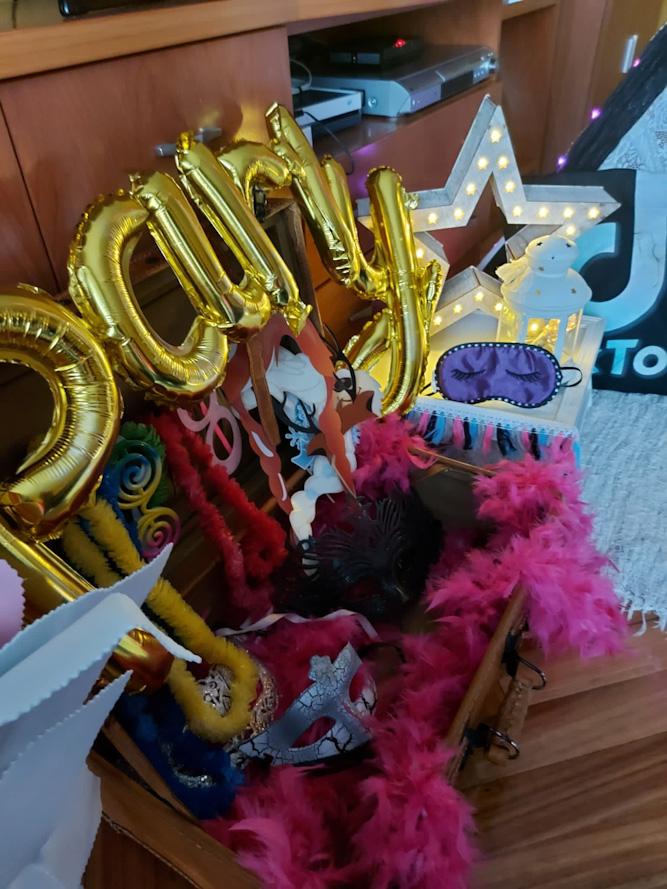 La Fiesta de cumpleaños TIK TOK para Carly con Tipis