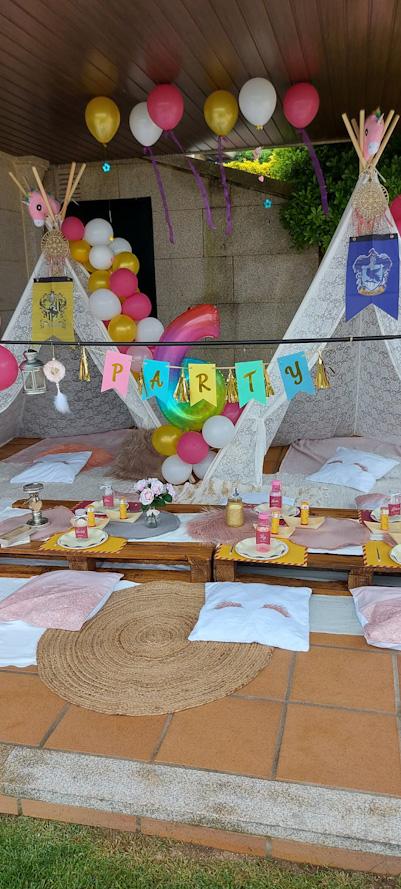 Fiesta de Cumpleaños para Niara: zona de acampada y juegos en el jardín