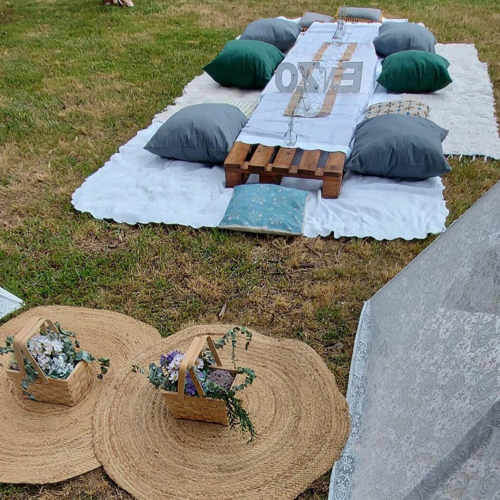 Fiesta picnic en el campo con Tipis, El Bautizo de Enzo