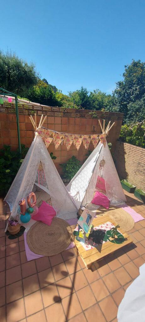 Fiesta de Cumpleaños en el jardín con Tipis para dos hermanas, Ariadna y Antía