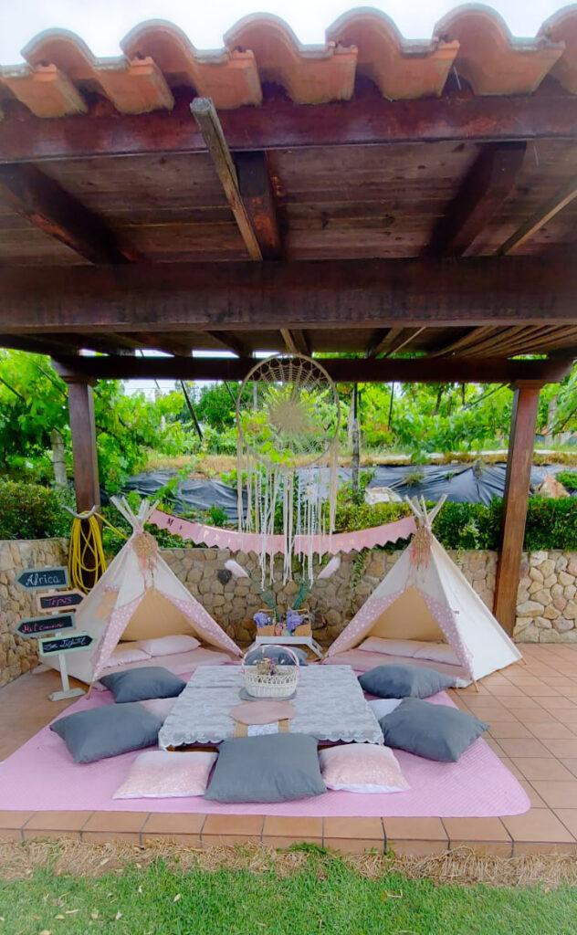 Primera Comunión de Africa, Fiesta con Tipis en el jardin