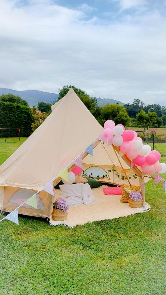 La comunión de Naila, cómo decorar una Fiesta en el jardín con Jaima Tipi