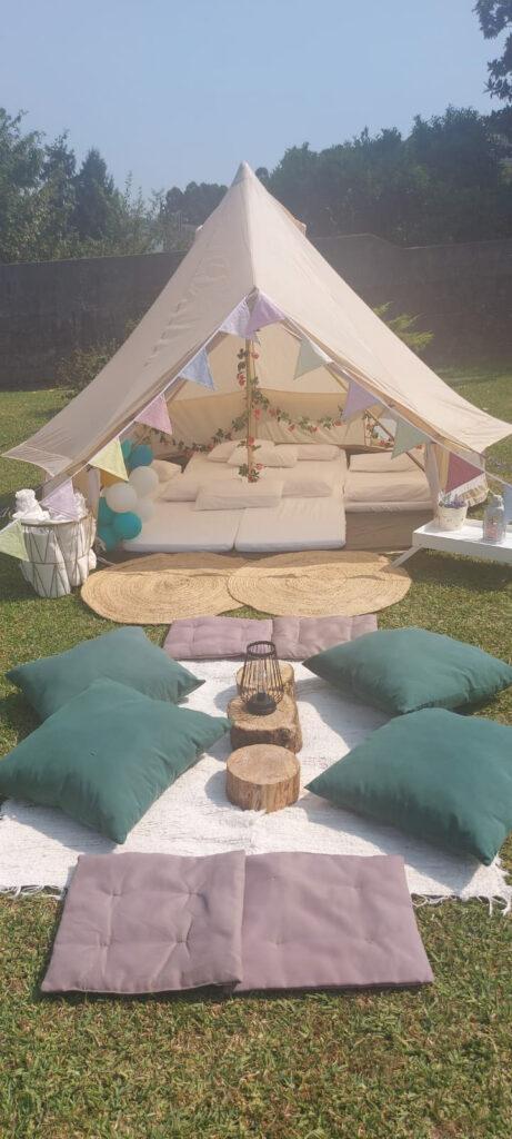 Summer Camp, Fiesta en el jardín con una espectacular Jaima Tipi para Carmen