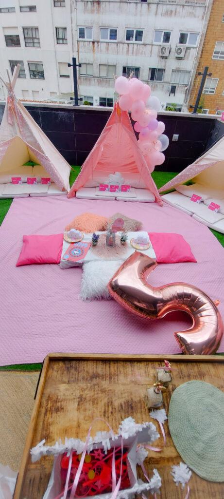 Fiesta de Cumpleaños de Manuela entre Tipis de Hello Kitty en Santiago