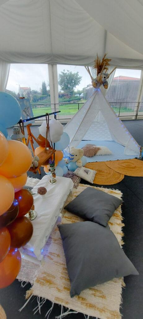 Baby Shower en Sanxenxo, Fiesta de bienvenida al bebé decorada con un gran Tipi de encaje