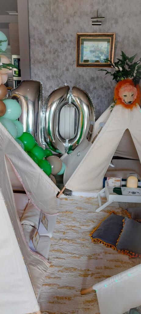 Lucas y Martina se van de Safari en su Tipi Fiesta de Cumpleaños